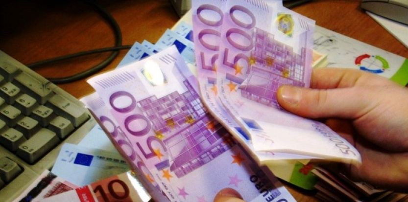 5657565-le-billet-de-500-euros-supprime
