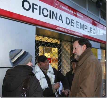 Rajoy en la cola del INEM_thumb[2]