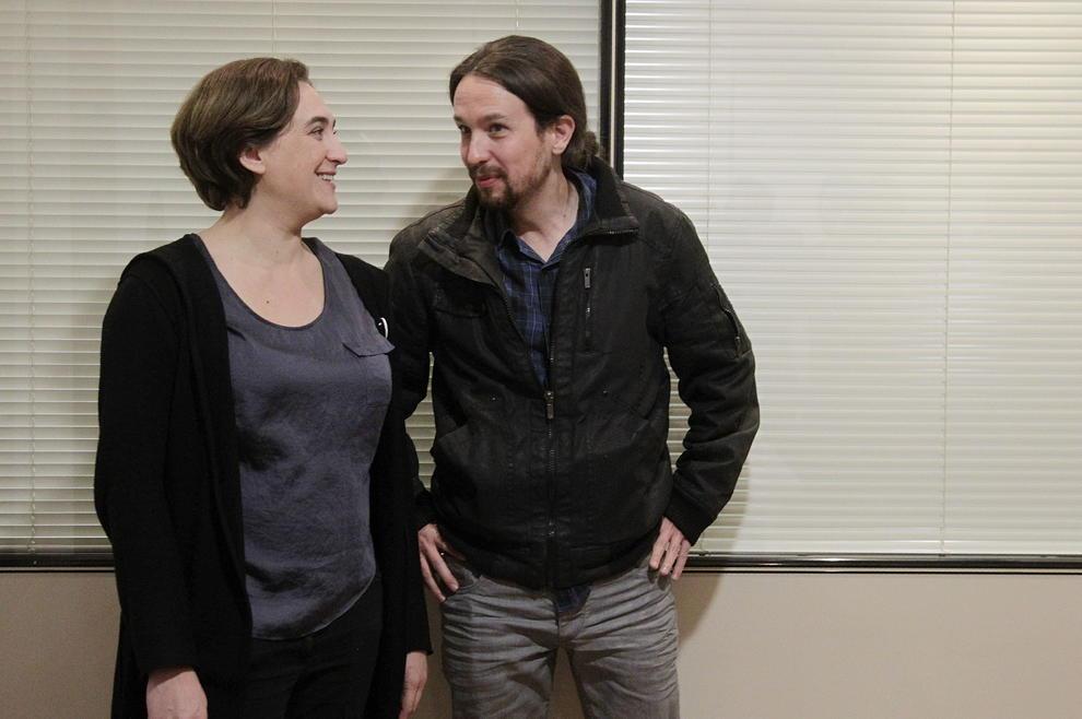 da-Colau-junto-al-lider-de-Podemos--Pablo-Iglesias--el-pasado-22-de-diciembre--