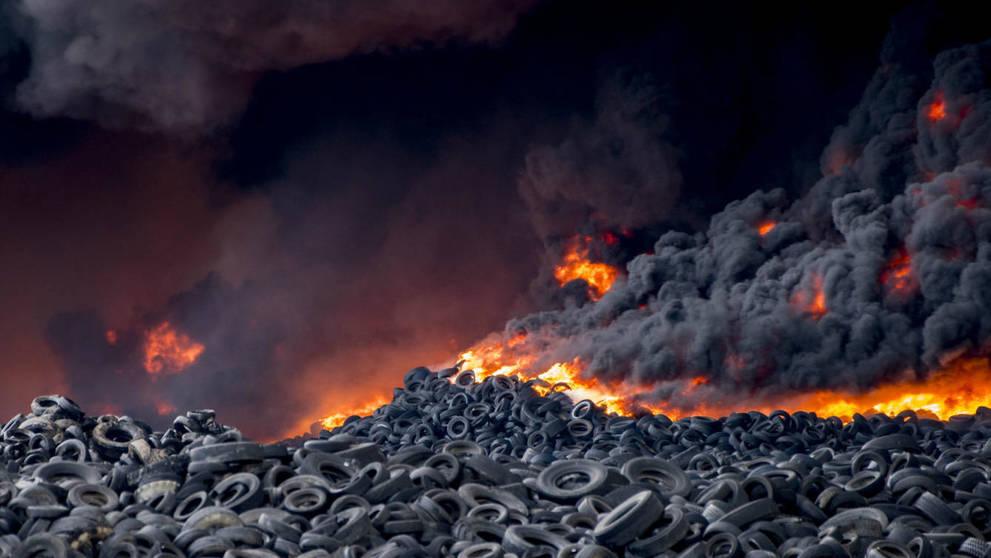 el-incendio-del-vertedero-de-neumaticos-de-sesena-toledo-en-imagenes