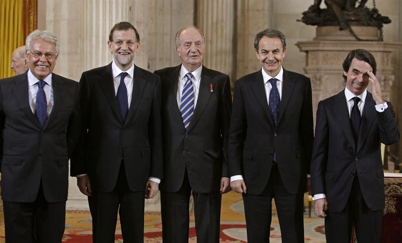 monarquia-rey-juan-carlos-I-borbon-gonzalez-aznar-zapatero-rajoy-160112