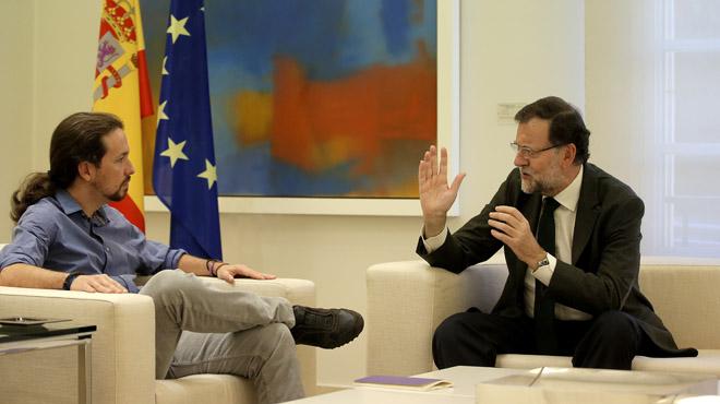 MADRID. 30.10.2015. Pablo Iglesias, de Podemos, durante la rueda de prensa que ha ofrecido después de su reunión en el Palacio de la Moncloa con Mariano Rajoy, presidente del Gobierno. FOTO: JOSÉ LUIS ROCA